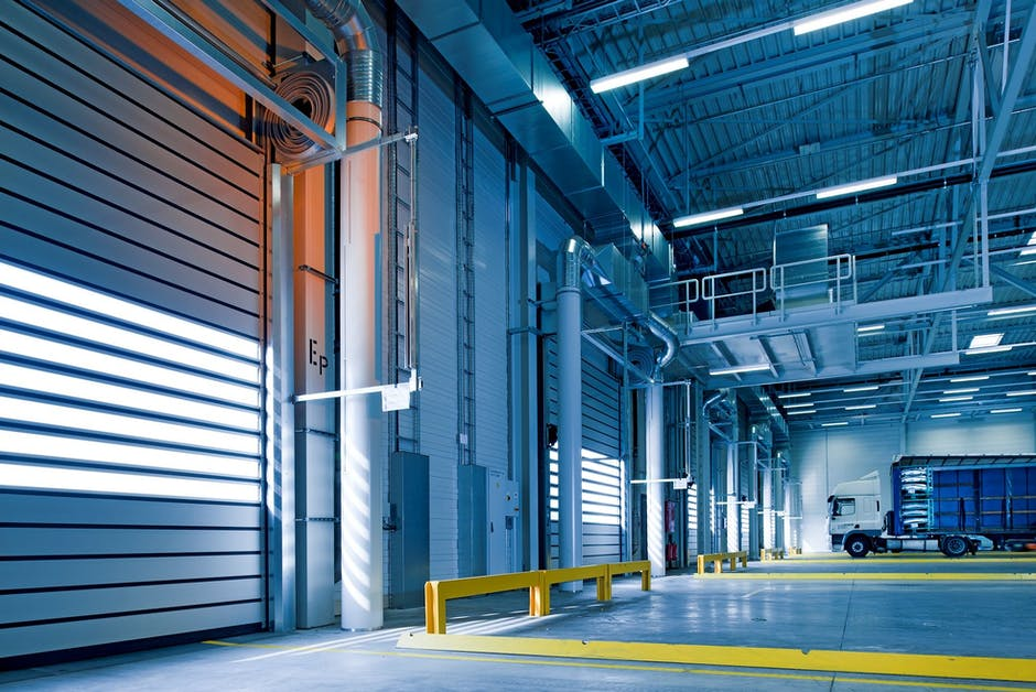 Know the Difference: Cross-Docking vs.Traditional Warehousing